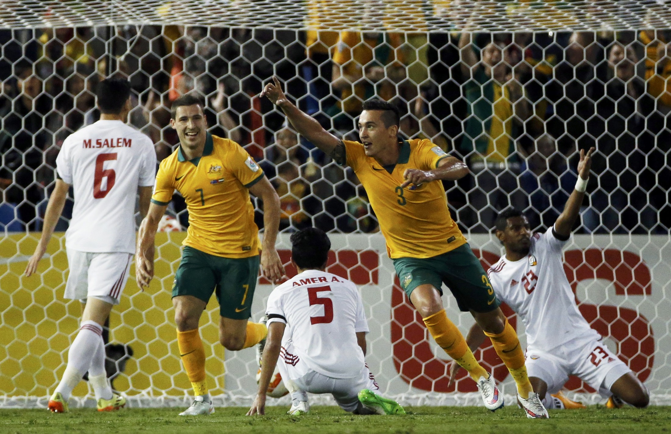 Australia's Jason Davidson (3) celebrates after scoring a goal against UAE during their Asian Cup semi-final soccer match at the Newcastle Stadium in Newcastle January 27, 2015.   REUTERS/Edgar Su (AUSTRALIA  - Tags: SPORT SOCCER)